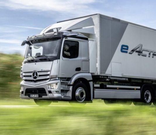 A Mercedes-Benz começa a produzir em série o primeiro caminhão elétrico da marca, o eActros, em sua fábrica localizada em Wörth, na Alemanha.
